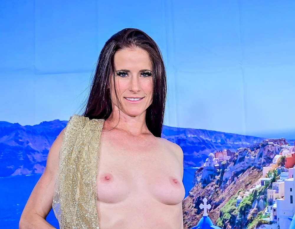 SofieMarieXXX/Golden Santorini Dreams