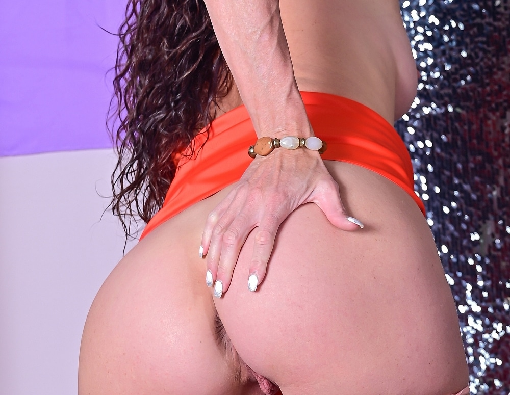 SofieMarieXXX/WW Orange Panties NG Orange Gown